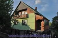 A Bíró Ház Balatonföldvár - Kőröshegyen található csendes, nyugodt környezetben. Házunkban 2 - 12 fő részére tudunk kényelmes szállást biztosítani.