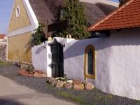Legyen a vendégünk Köveskálon falusias, csendes környezetben a Kővirág étterem, panzióban!